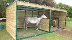 abri mobile pour chevaux d 39 occasion. Black Bedroom Furniture Sets. Home Design Ideas